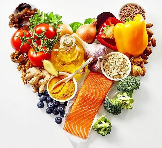 Mức độ nguy hiểm của hở van tim 2 lá có thể được giảm nhẹ bằng chế độ ăn khoa học kết hợp với thuốc điều trị, thực phẩm bảo vệ sức khỏe