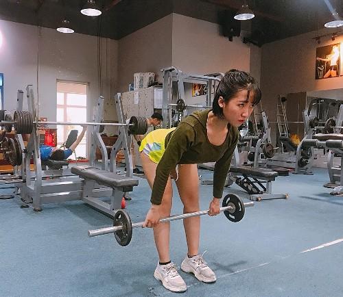 Ngọc Quế tập gym rèn luyện sức khỏe. Ảnh: C.K